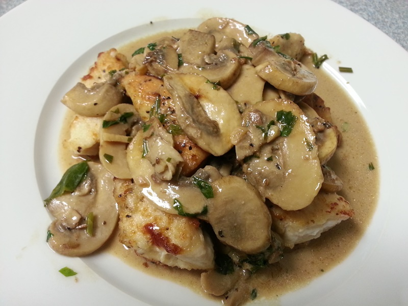Chicken and Mushrooms with a Garlic White Wine Cream Sauce ...